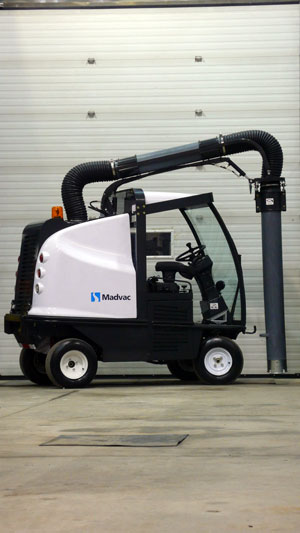 Madvac Introduces New Lr50 All Wheel Drive Outdoor Vacuum